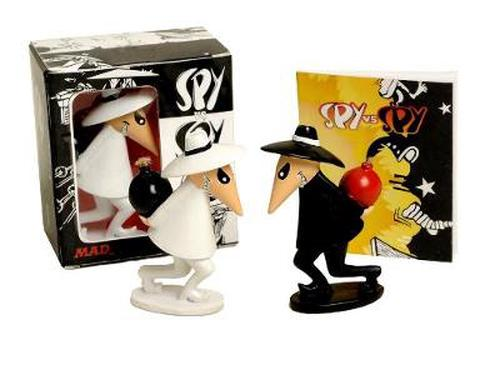 Spy vs. Spy [With Book(s) and 2 Spy Figurines]