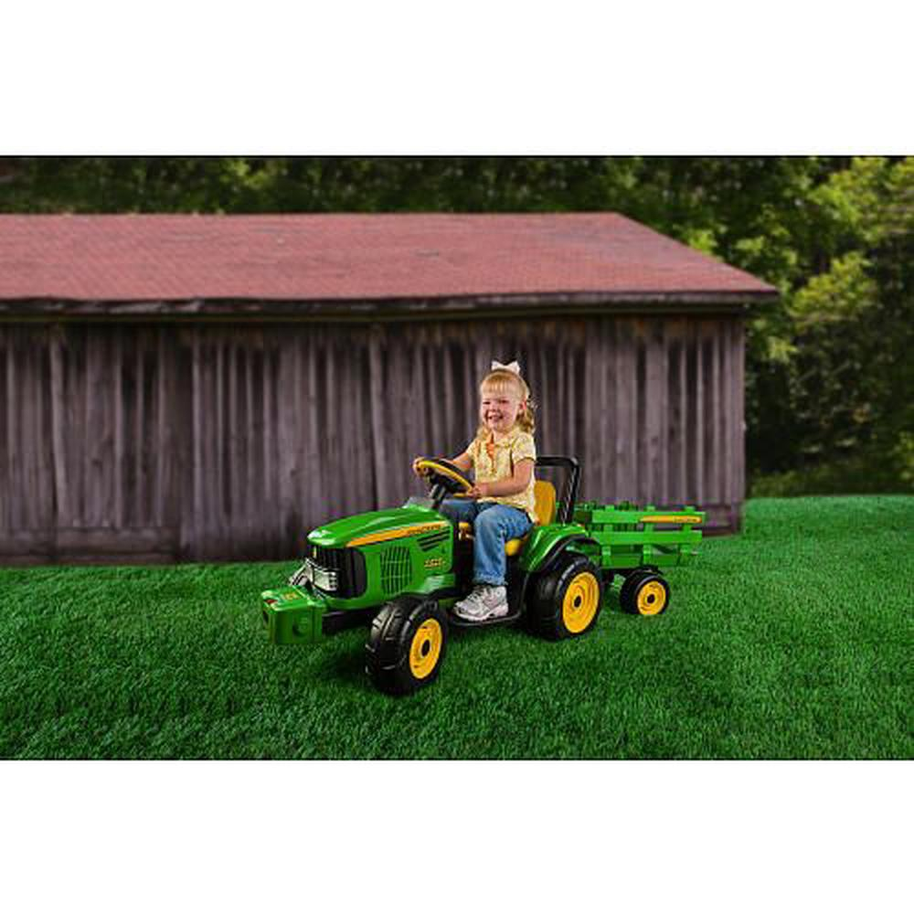 peg perego john deere farm power tractor and trailer 12. Black Bedroom Furniture Sets. Home Design Ideas
